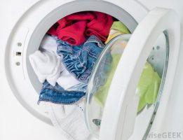 veja-formas-de-retirar-manchas-na-roupa